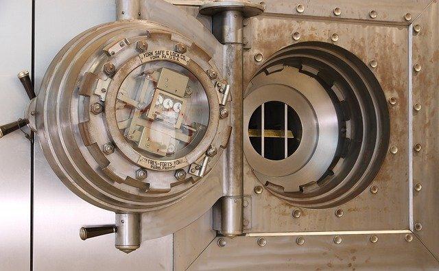 gold safe deposit
